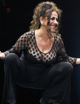 julia calvo la brujula